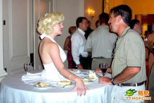 超级美女的美女图片餐桌日另类的帅哥图片