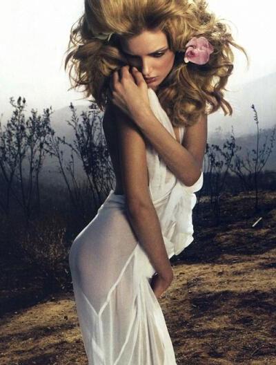 日本版《Vogue》杂志3月大片美轮美奂(4)