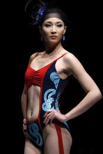 美女泳装走秀 诠释舞・奥运
