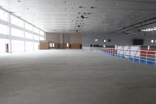 北京科技大学体育馆 馆内篮球场图片