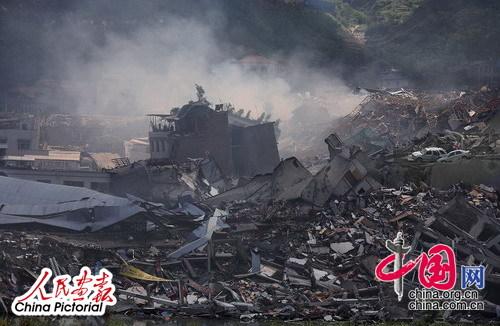 5月14日,在地震中被移为平地的北川县城的老城区。