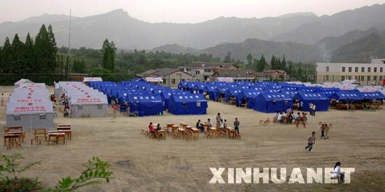 这是陕西省宁强县一中高三年级的临时校舍(5月27日摄)。