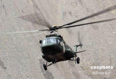 一架米-171运输直升飞机在四川执行任务。