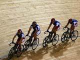 8月7日,法国自行车队积极训练,备战奥运会。