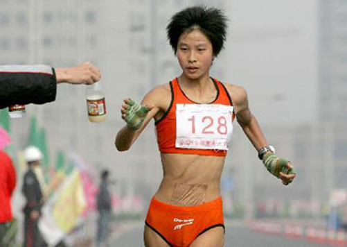 刘虹、杨明霞、时娜参战.奥运测试赛上,杨明霞与第一名刘虹之图片