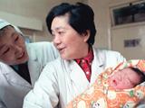 """•""""第一""""回放:中國大陸首例試管嬰兒"""