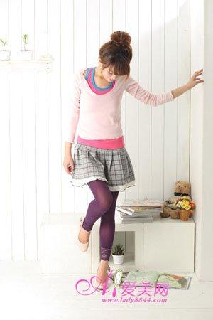 设计 双腿/踩脚处宽版蕾丝设计,让您的双腿更加显得与众不同,束口加长...