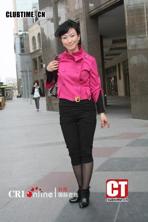 4月街拍 北京的 热袜 风情图片