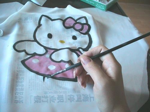 网友diy:教你如何手绘衣服