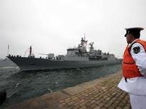 """新西兰海军""""特马纳""""号与""""奋进""""号"""