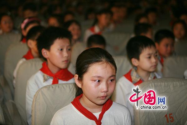 汶川地震一周年:小学生讲故事不忘那段记忆[组小学坊杏园临沂南图片