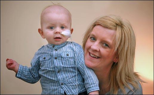 8个月大男婴患前列腺癌 英国最年幼患者[图]