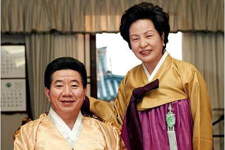 韩国前总统卢武铉生平回顾[组图]