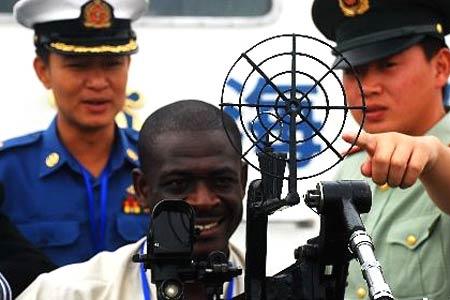 18国海上执法官员与中国海警进行执法交流[组图]
