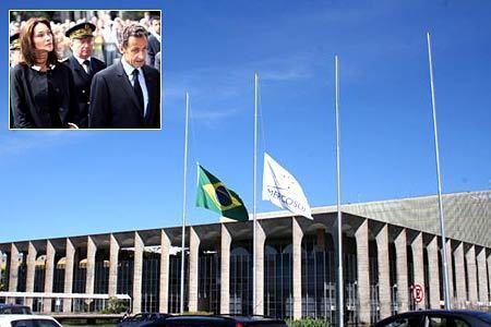法航客机残骸确认 巴西为失踪人员哀悼三日[组图]