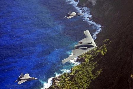 美国F-22和B-2隐形战机在关岛进行联合训练[组图]