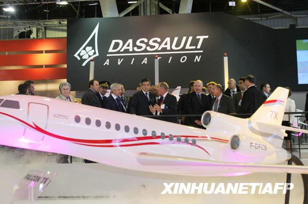 巴黎航展 空客 a380型 客机 法国总理 国际航空 航天 北郊 新华社 开幕