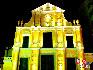 """卢家大屋:卢家大屋又称为""""金玉堂"""",位于澳门大堂巷7号,是澳门二十世纪初商人卢华绍(卢九)的住宅,大屋以青砖建造,仿广州西关大屋布局,高两层,为目前澳门所余不多的较完整的中式大宅建筑,因融合西方风格且保存较好,被评为""""世界文化遗产""""。中国网  于雅光/摄影"""