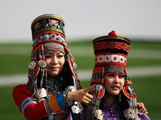 蒙古族服装服饰大赛[组图]