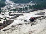 台湾高雄一村庄被泥石流掩埋 600余人下落不明[组图]