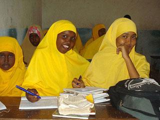 摩加迪沙学校在战乱中开学