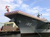 日本最新一艘超大型直升机驱逐舰下水[组图]