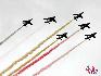 在比利时国庆阅兵式上,阿尔法战机在空中接受检阅. (图片由比利时驻华使馆提供)