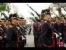 在比利时国庆阅兵式上,这是两位女士官生。(图片由比利时驻华使馆提供)