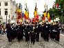 在比利时国庆阅兵式上,旗帜护卫队。(图片由比利时驻华使馆提供)