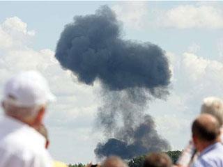 白俄罗斯战机表演时坠毁