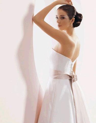 新娘帮 婚纱摄影_婚纱摄影帮你做最美新娘