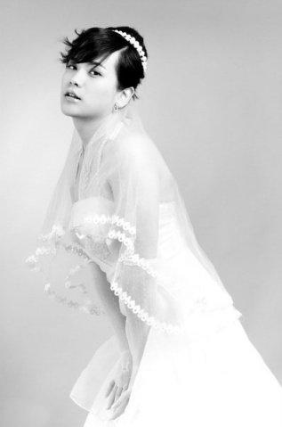 雷死所有新娘 男人穿婚纱图