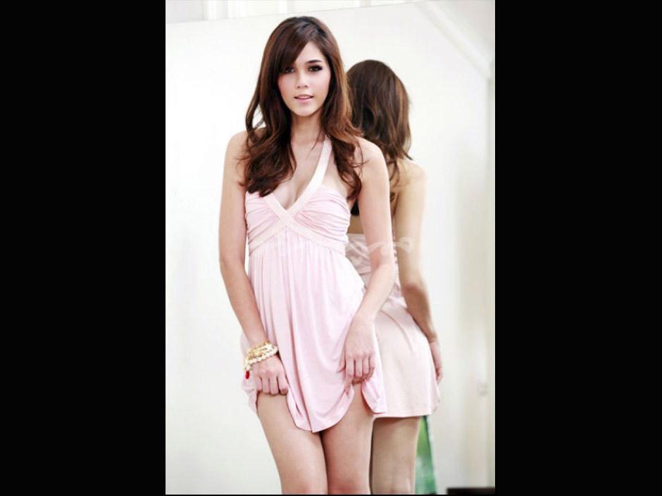 洋娃娃面孔的性感泰国女星(图)