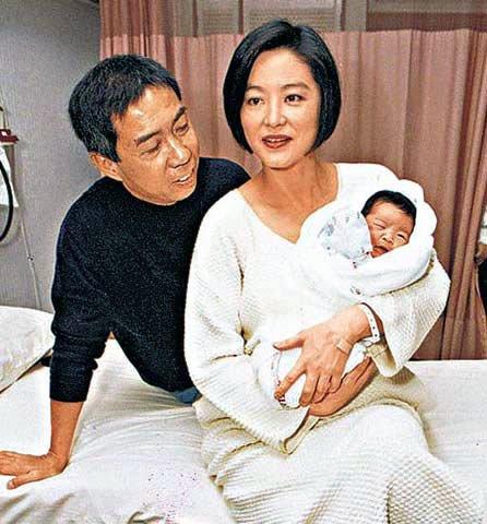 林青霞为打败丈夫新欢 欲生子争家产-那些必须生儿子的女明星图片 48345 446x480
