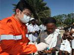 中国救援队救治海地受伤民众