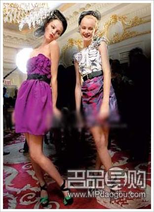 优雅迷人紫色新娘礼服图片