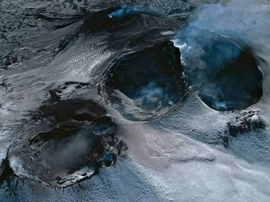 高清 喷发后的火山口 图片中心 中国网