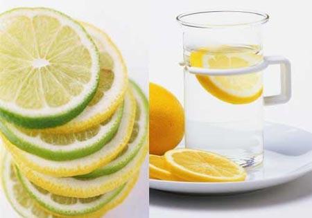 夏季天气炎热,常喝降温饮品有助身体健康。