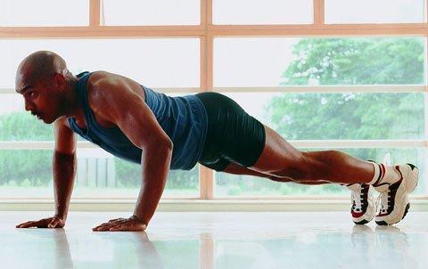 做俯卧撑能锻炼腹肌吗 八大招数让你练就八块腹肌