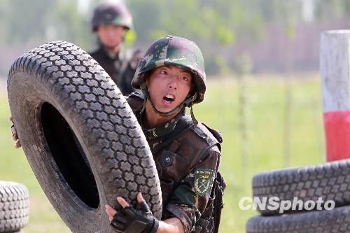 解放军猎人基地向外军开放 中巴特种兵超极限训练