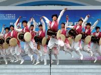 2010年上海世博会上演延边朝鲜族歌舞