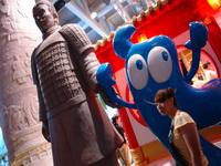 盛夏天气虽然炎热,但上海世博游持续升温,来自世界各地的展馆吸引了众多的游人。据悉,上海世博园自5月1日开园至59天时,参观世博会的人数已突破了2000万人次。