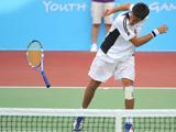 网球:摔拍子的年轻人