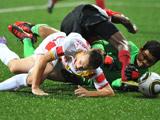 足球:新加坡对阵黑山,满场都是犯规