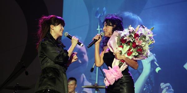 以色列国宝级艺术家瑞塔献唱世博 孟庭苇助兴