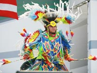 美国印第安舞蹈呈现神秘动人的原住民艺术[组图]