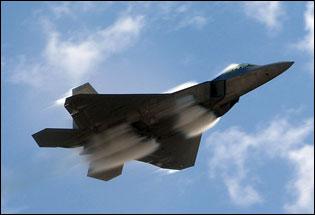 高清:美军f-22猛禽战机突破音障瞬间