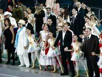 上海世博会闭幕 各国参展人员代表齐唱《茉莉花》