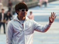 韩国歌手Rain到场彩排引起现场骚乱[高清]