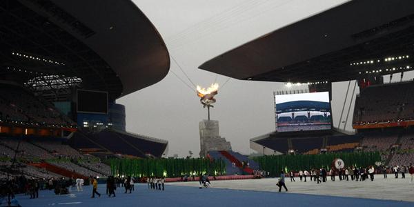 2010广州亚残运动会闭幕式紧张有序准备中